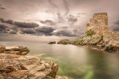 Genoese torn på Erbalunga på Cap Corse i Korsika Royaltyfria Bilder