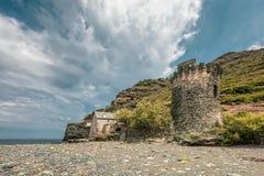 Genoese torn på Negru på Cap Corse i Korsika Royaltyfria Foton