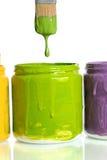 Genomblöt grön målarfärg för Paintbrush Royaltyfria Bilder
