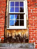 genomdränkt fönster Fotografering för Bildbyråer
