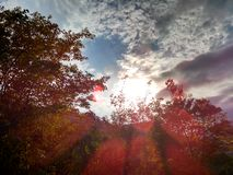 Genomdränkt med molnhimmel Arkivfoton