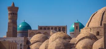 Genomskärningar av huvudsakliga gator av medeltida handel Bukhara tjänade som a fotografering för bildbyråer