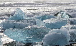 Genomskinlig ispyramid Fotografering för Bildbyråer
