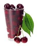 genomskinliga för nya frukter för Cherry vätte glass röda Arkivfoto