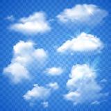 Genomskinliga moln på blått Arkivfoton