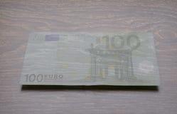 genomskinliga pengar euro 100 Fotografering för Bildbyråer