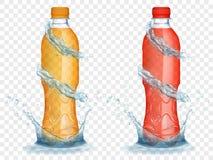 Genomskinliga plast-flaskor med vatten krönar och plaskar Royaltyfri Fotografi