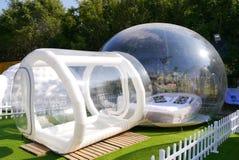 Genomskinligt bubblaplast-tält Royaltyfria Bilder