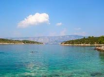 Genomskinligt hav i Kroatien Fotografering för Bildbyråer