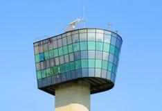 kontrollera står hög av port i Genoa Arkivbilder
