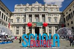 genova Palazzo Ducale con l'evento della scuola di Digital fotografia stock libera da diritti