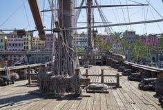 Genova - sikt från Neptunspansk gallion Arkivfoto