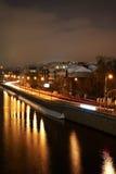 Genre sur le quai du fleuve de canal de Moscou Photographie stock libre de droits