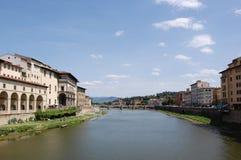 Genre vers Florence de la vieille passerelle photos stock
