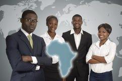 Gens d'affaires africains de carte du monde image stock