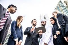 Gens d'affaires arabes et occidentaux Photos libres de droits