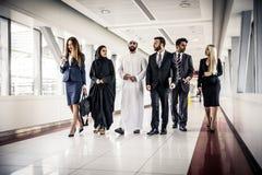 Gens d'affaires arabes et occidentaux Images libres de droits