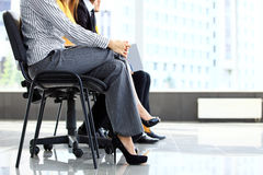 Gens d'affaires attendant l'entrevue d'emploi Image stock