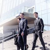 Gens d'affaires aux escaliers Photos libres de droits