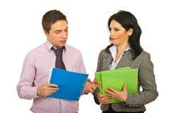 Gens d'affaires ayant la conversation Photo libre de droits