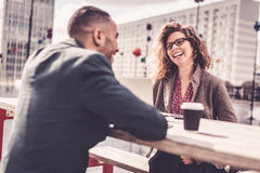 Gens d'affaires ayant une discussion ou Job Interview photographie stock