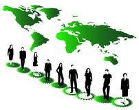 Gens d'affaires, carte et roues dentées Image libre de droits