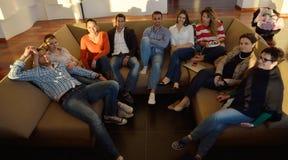Gens d'affaires d'équipe sur la réunion Images stock