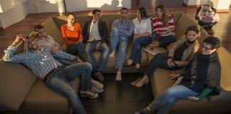 Gens d'affaires d'équipe sur la réunion Image stock