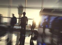 Gens d'affaires d'aéroport de terminal de voyage de concept de départ Photo stock
