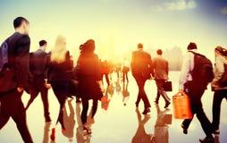 Gens d'affaires d'heure de pointe de concept de permutation de marche de ville photo stock