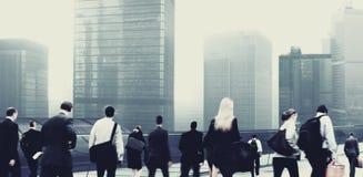 Gens d'affaires d'heure de pointe de concept de permutation de marche de ville image stock