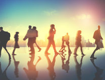 Gens d'affaires d'heure de pointe de concept de permutation de marche de ville images libres de droits