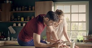 Gens d'affaires dans l'amour clips vidéos