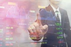 Gens d'affaires de double exposition Marchés boursiers financiers ou stratégie de placement Photographie stock libre de droits