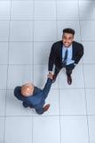 Gens d'affaires de patron de Hand Shake Welcome de geste de vue d'angle supérieur, homme d'affaires Handshake image stock
