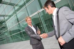 Gens d'affaires de poignée de main Image libre de droits