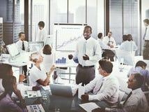 Gens d'affaires divers d'affaires de concept de écoute de présentation Images stock