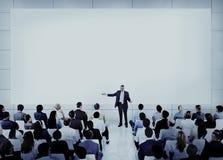 Gens d'affaires divers de concept d'orateur photos stock