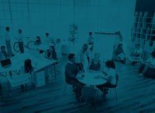 Gens d'affaires rencontrant le concept de planification des affaires de discussion Photographie stock libre de droits