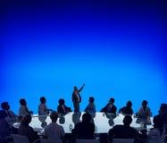 Gens d'affaires rencontrant le concept de présentation d'orateur images stock