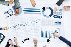 Gens d'affaires rencontrant le concept de statistiques d'analyse de planification Images stock