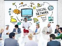 Gens d'affaires sociaux de media de réseau social rencontrant le concept Photos libres de droits