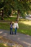 Gens heureux de promenade Image stock