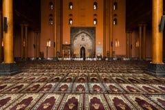 Gens principaux de Hall de prière de mosquée de Srinagar priant H Images libres de droits