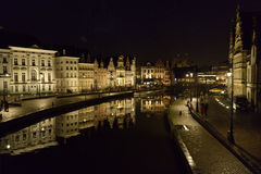 Gent, Belgien bis zum Nacht lizenzfreie stockfotografie