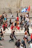 Gente arrabbiata che cammina in via di Montreal immagine stock libera da diritti