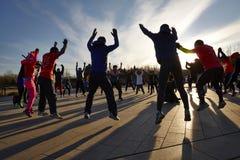 Gente attiva nella mattina, concetto del body building Immagini Stock Libere da Diritti