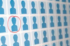 Gente azul con un candidato seleccionado Fotografía de archivo