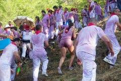 Gente bagnata a Haro Wine Festival Fotografia Stock Libera da Diritti