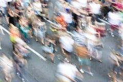Gente borrosa en protesta de la calle Imágenes de archivo libres de regalías